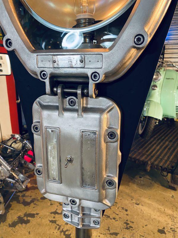 lampadaire industriel ancien restauré