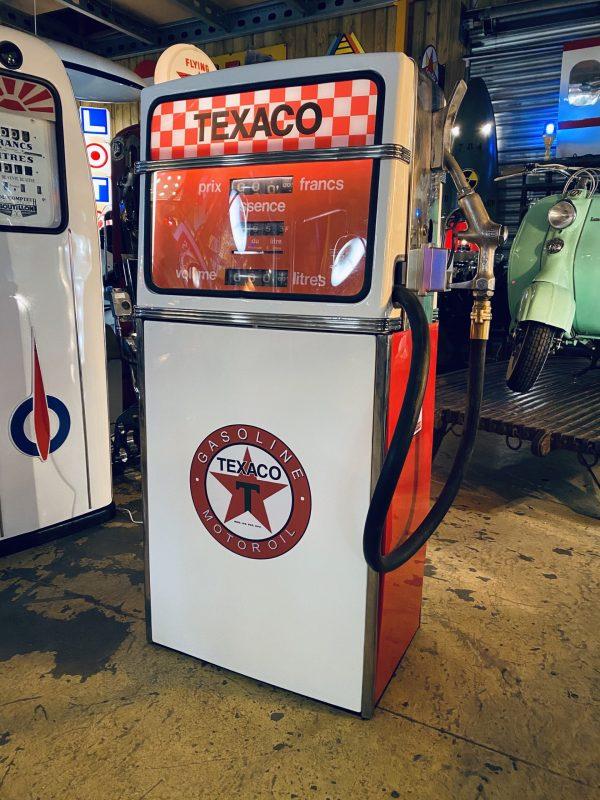 pompe essence américaine