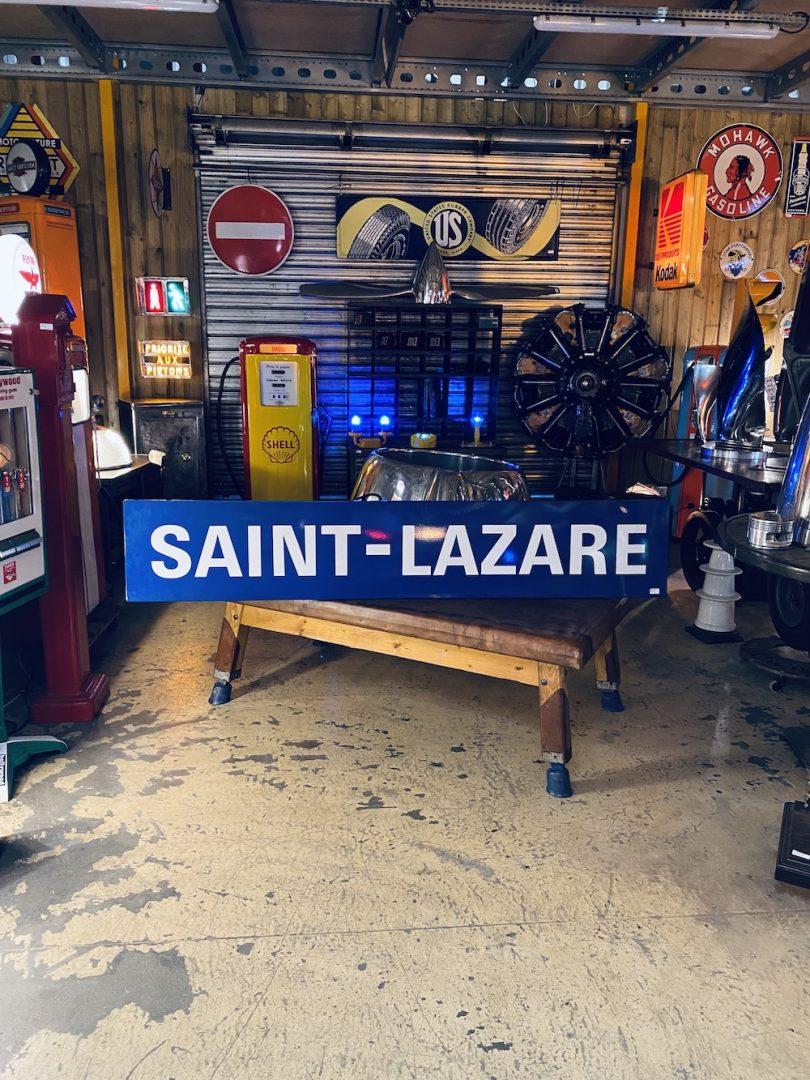plaque de métro saint lazare