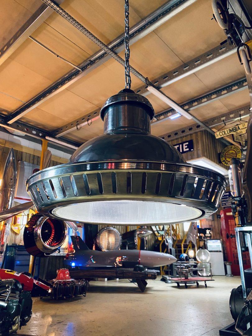 suspension industrielle en aluminium