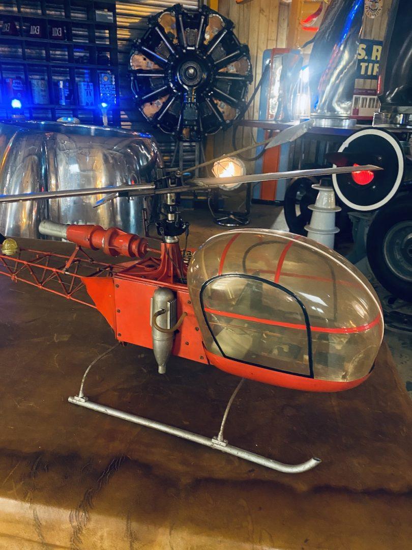 Maquette d'hélicoptère rétro