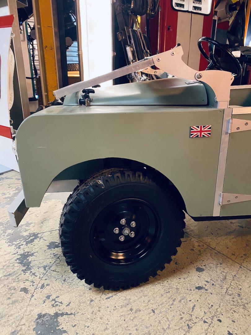 Mini defender Land Rover