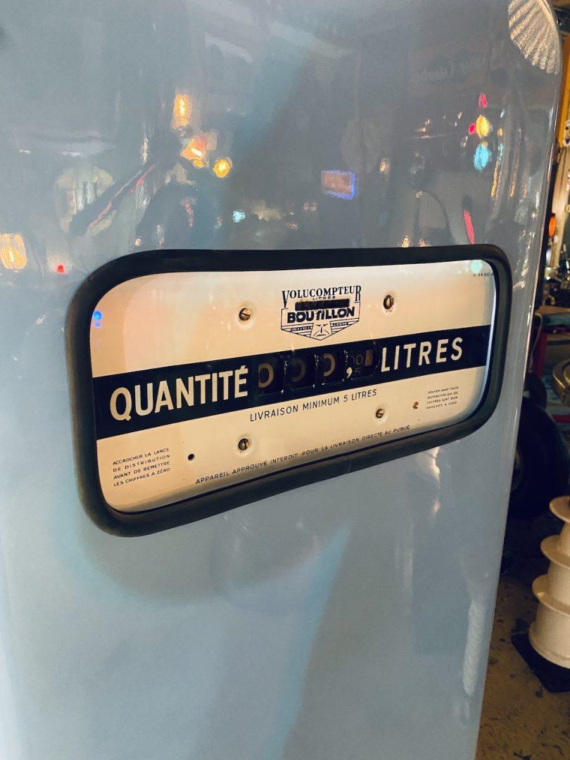 pompe à essence vintage avec globe